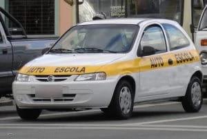 autoescola_instrutor_carro-300x201.jpg-min
